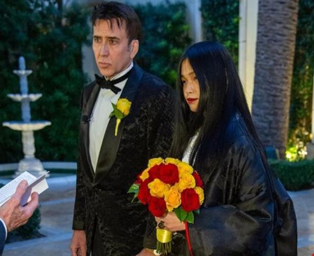 Şubat ayında kendisinden 31 yaş küçük Riko Shibata ile evlenen<a href=