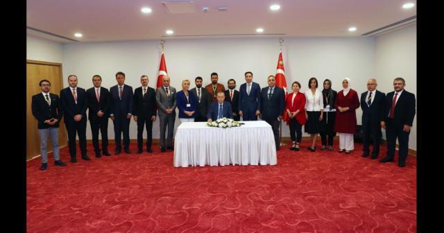 """Cumhurbaşkanı Erdoğan: """"Kıbrıs Türk halkıyla dayanışmamızı da KKTC'ye olan desteğimizi de en üst düzeyde sergiledik, sergilemeye de devam edeceğiz"""""""
