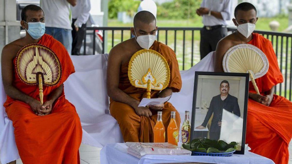 Koronavirüse karşı iksir bulduğunu iddia eden ünlü büyücü, Kovid-19 nedeniyle hayatını kaybetti